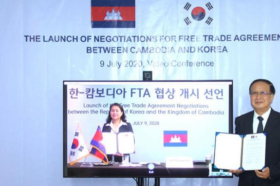 """한국-캄보디아 FTA 협상 10월 26일 체결 """"캄보디아 수출 증가"""""""